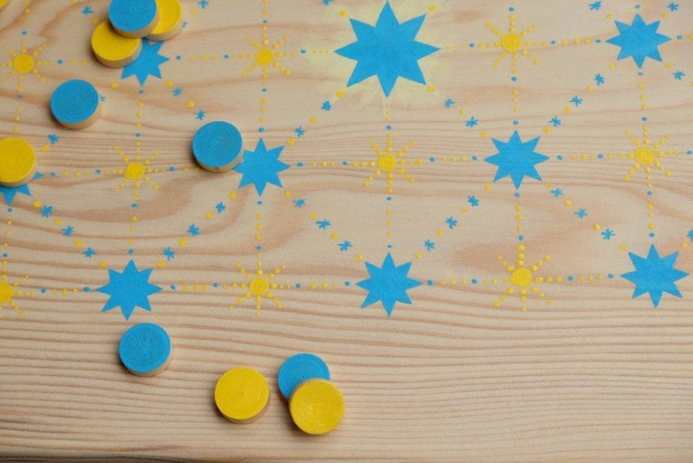 Fanorona jaune et bleu en bois, peint a la main, grand modele PROMO