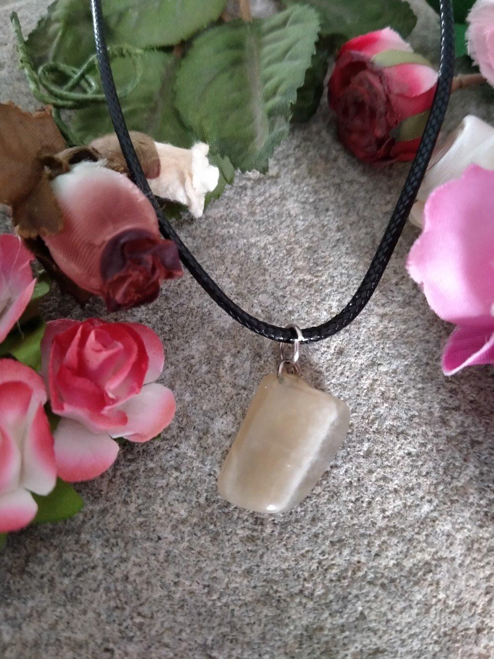 collier pendentif pierre de lune, collier pendentif pierre naturelle