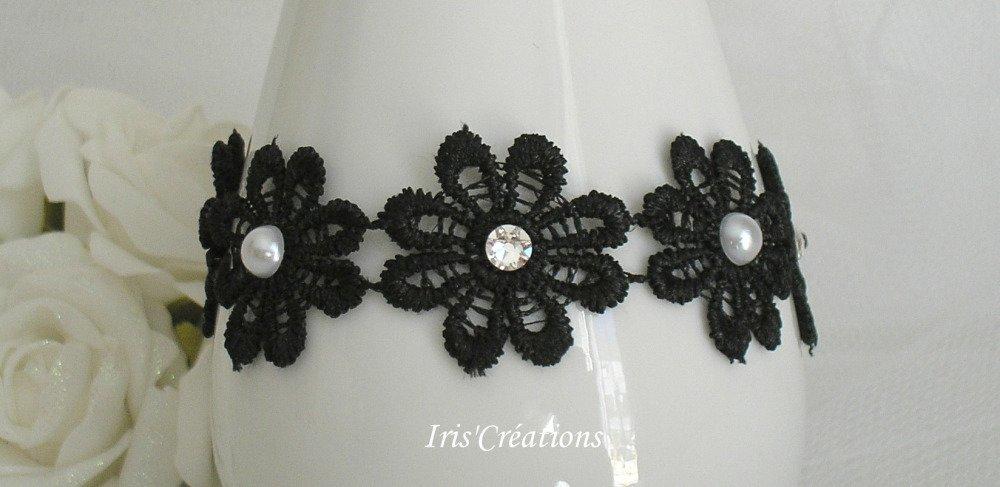 Bracelet enfant mariage Eloïse dentelle noire perles blanches et strass