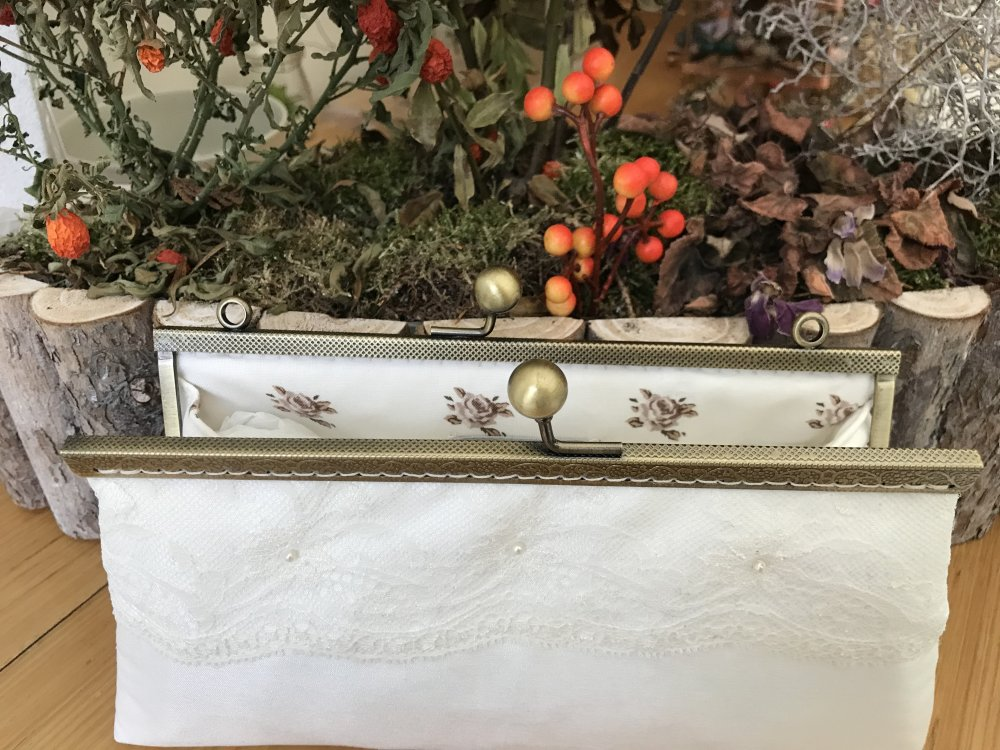 pochette mariage dentelle calais et perles nacrées