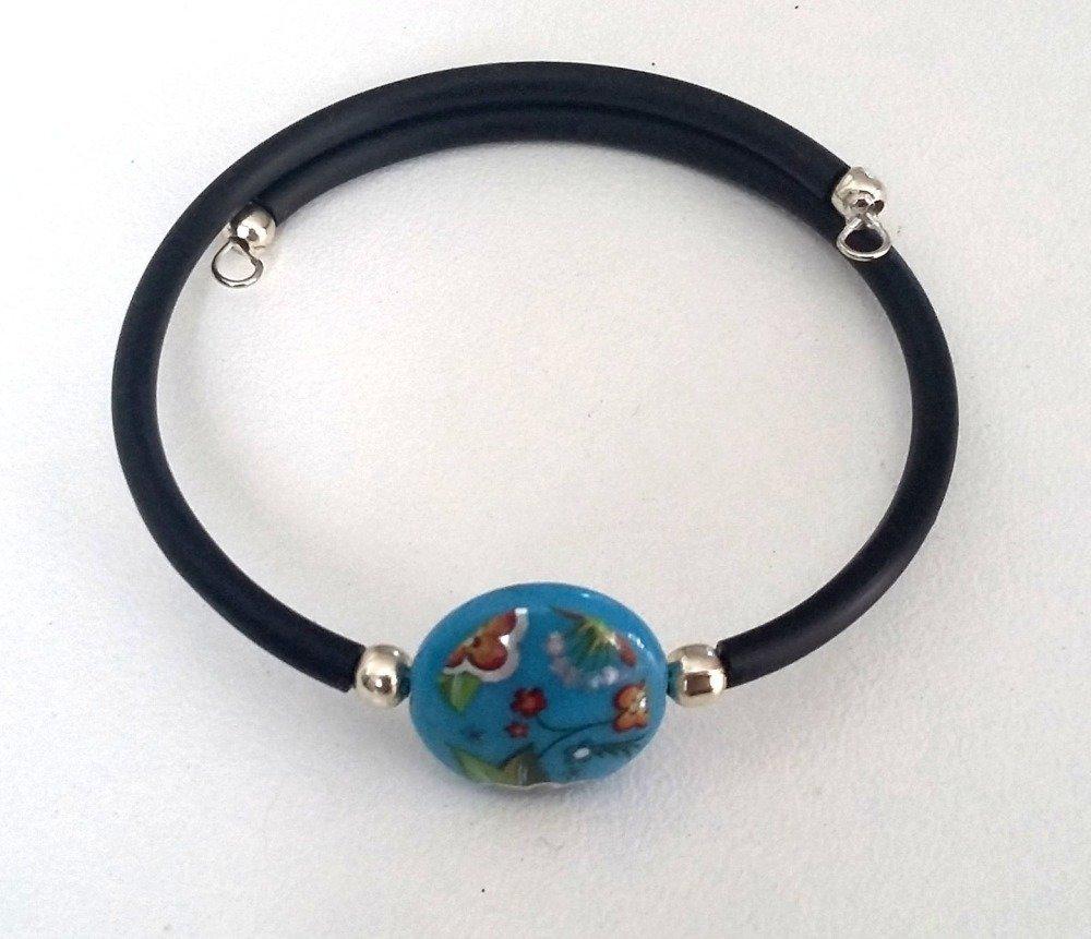 Bracelet perle bleue fleurie