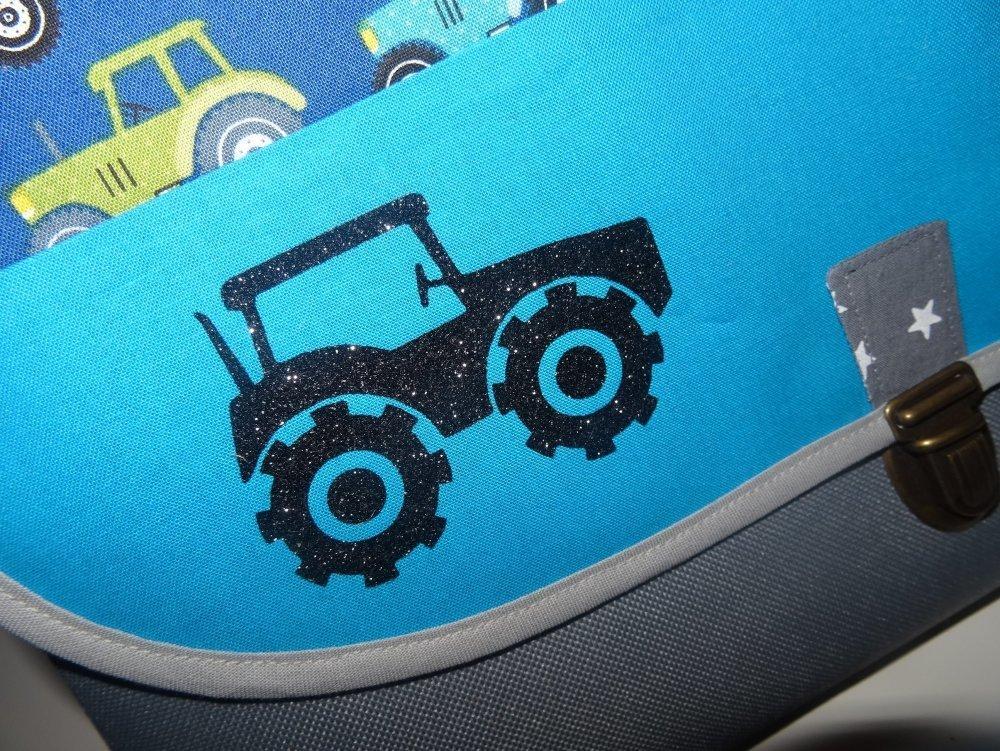 cartable type besace GF garçon avec prénom theme tissu au choix (tracteur ....) idéal maternelle....