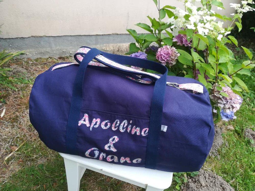 sac de sport baluchon bandoulière en toile souple initiales personnalisé couleur tissu au choix (liberty, bleu marine ....)