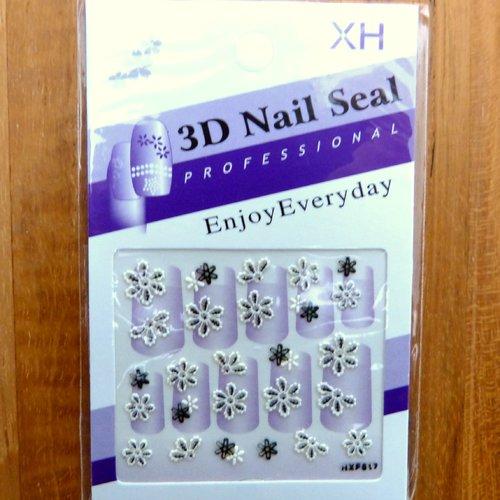 Stickers ongles - nail  autocollants 3d - fleurs blanches et noires t 15