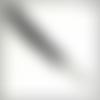 Dragonne détachable, 21 cm de long. en cuir véritable noir gravé, finition argent