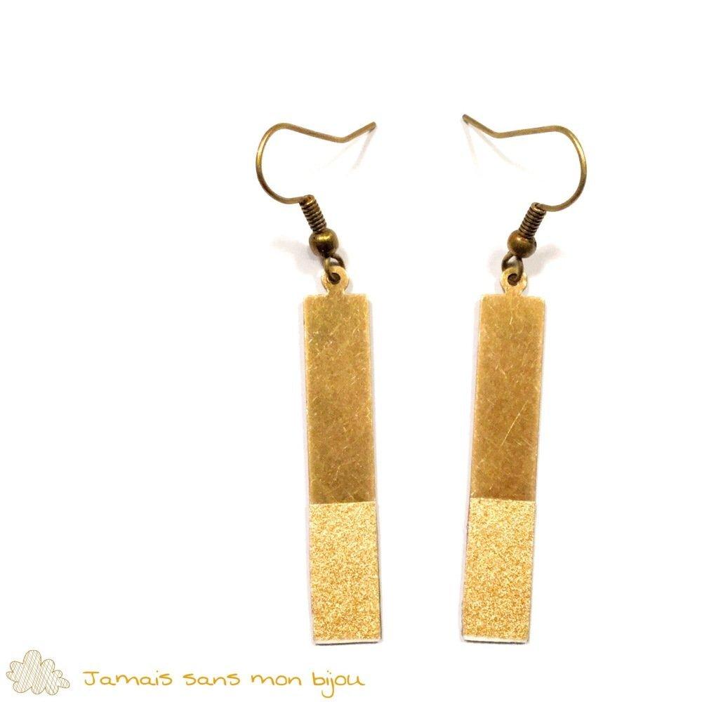 Boucles d'oreille originales rectangles bronzes, doré avec papier japonais couleur doré effet paillettes avec une touche de blanc