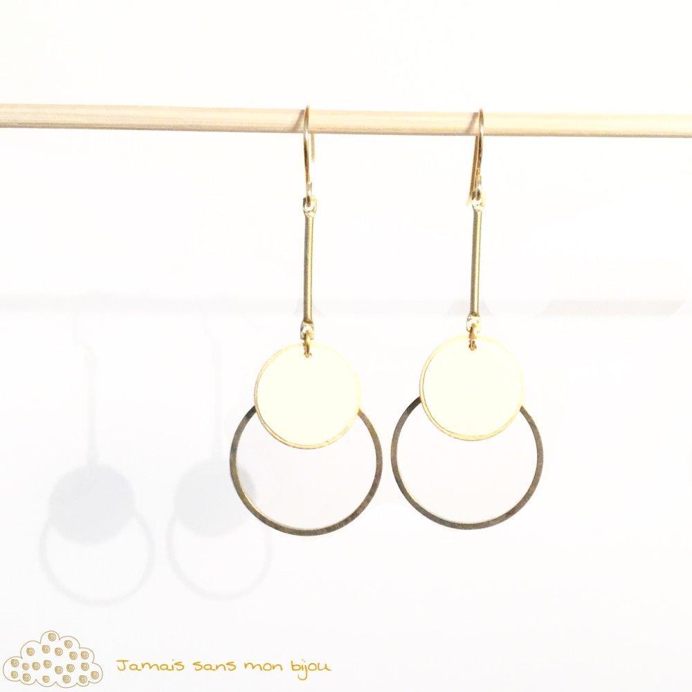 Boucles d'oreille originales, chic et élégantes, rondes dorées et blanc cassé