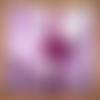 Couverture d'enfant mauve avec petites baies