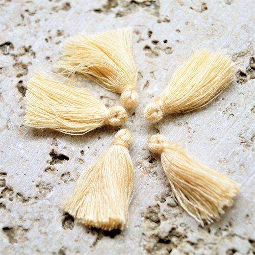 Pompons franges en coton beige 27 mm par lot de 10