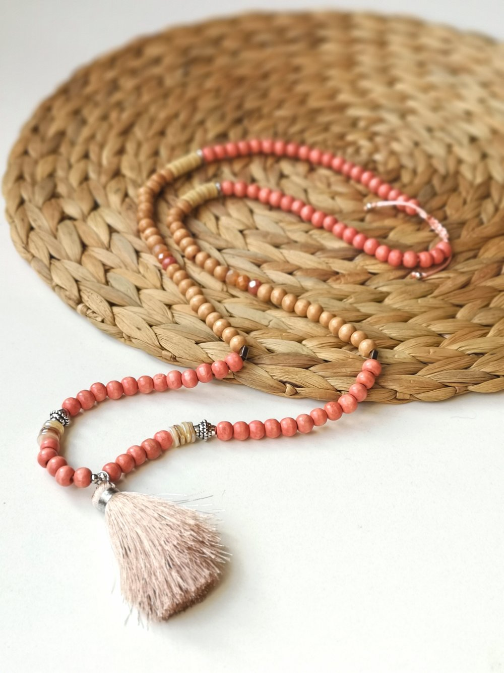 SAUTOIR BOHEME - COLLIER LONG PERLE BOIS ROSE