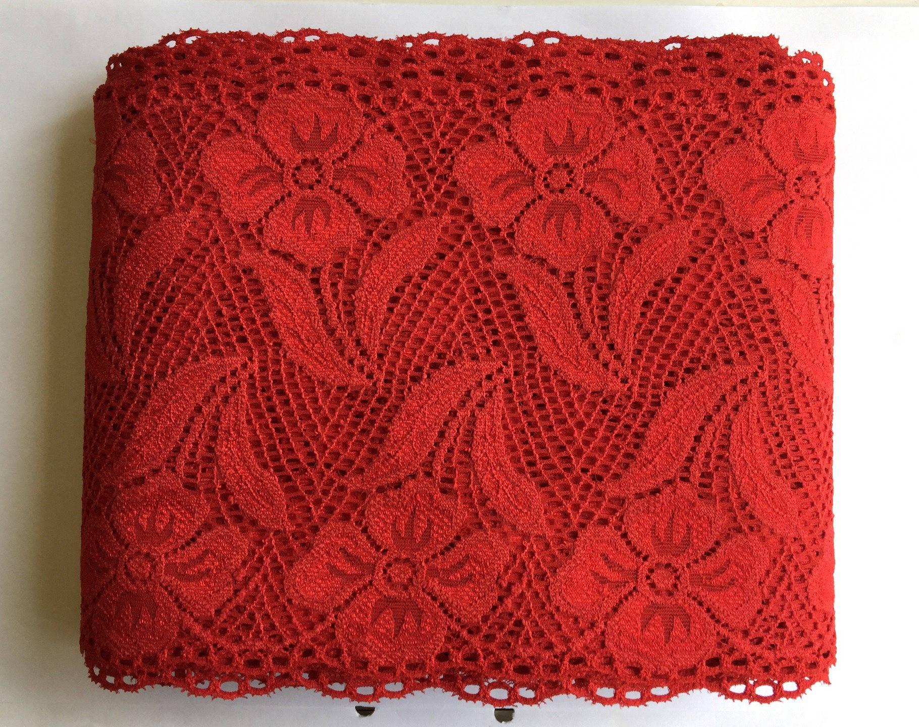 Dentelle de Calais ancienne de haute qualité  motif floral rouge coquelicot 15 cm