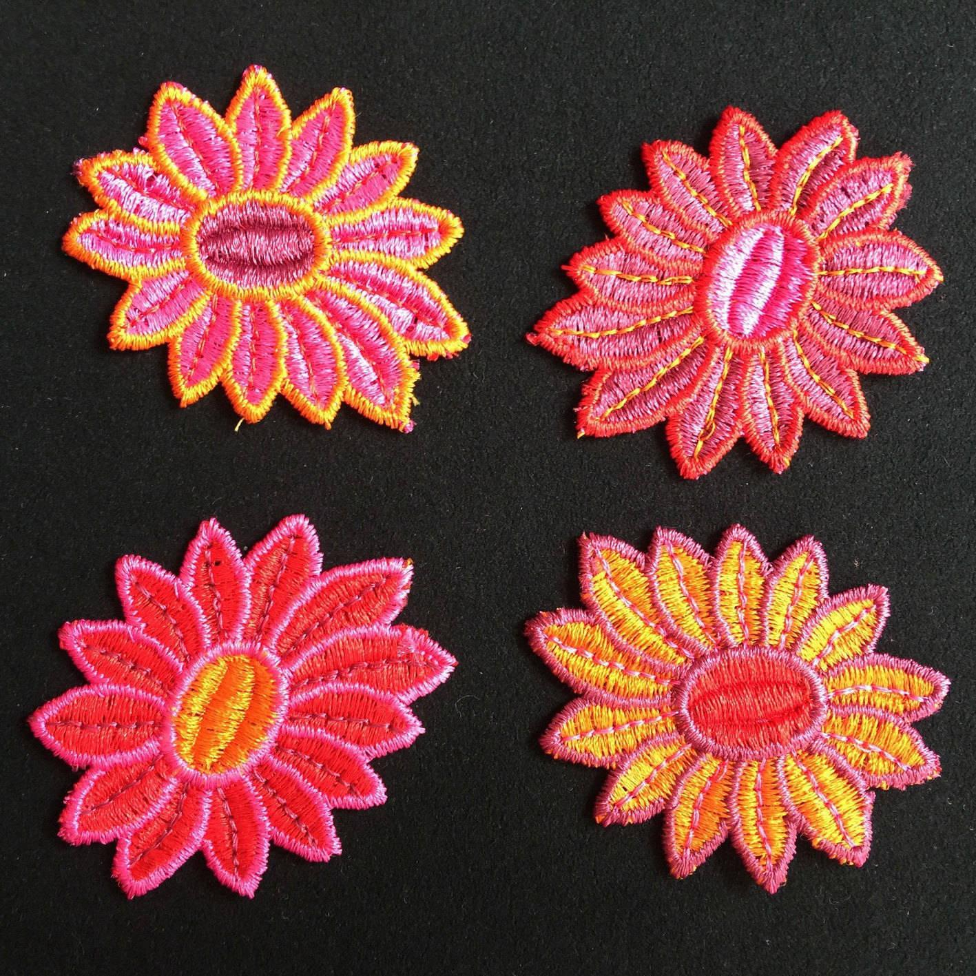 4 Appliqués, appliqué, appliqué fleur, applied flower, Joce150652creaconcep, appliqué rouge, appliqué orange, appliqué rose, appliqué violet