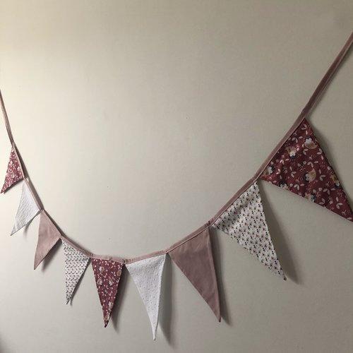 Guirlande de fanions / petites chouettes et petites fleurs / décoration murale enfant fille / guirlande de fanions chambre enfant fille