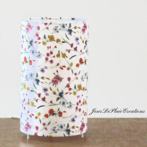 Lampe tube motif petites fleurs romantiques