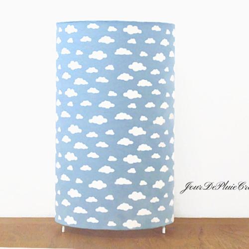 Lampe tube bleu nuages blancs