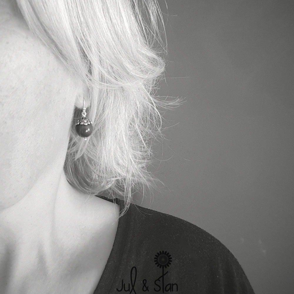 Boucles d'oreilles romantiques perles mauve nacré