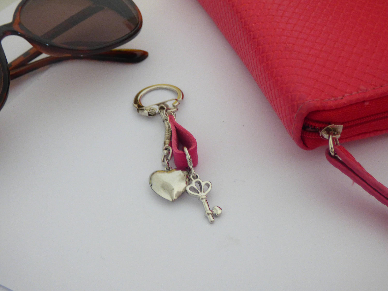 D Ou Vient Le Cuir porte clé en cuir rose pour les filles, cadeau unique fait main, surprise  pour ma copine qui vient d'avoir son permis, rentrée des classes