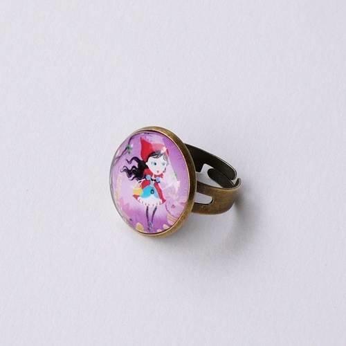"""Petite bague bronze """"chaperon rouge"""" violette, cadeau pour les filles, cabochon de verre, fait main"""