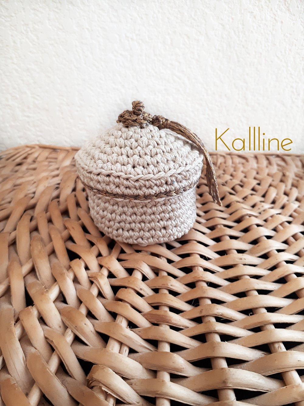 Boîte â bijoux crochet