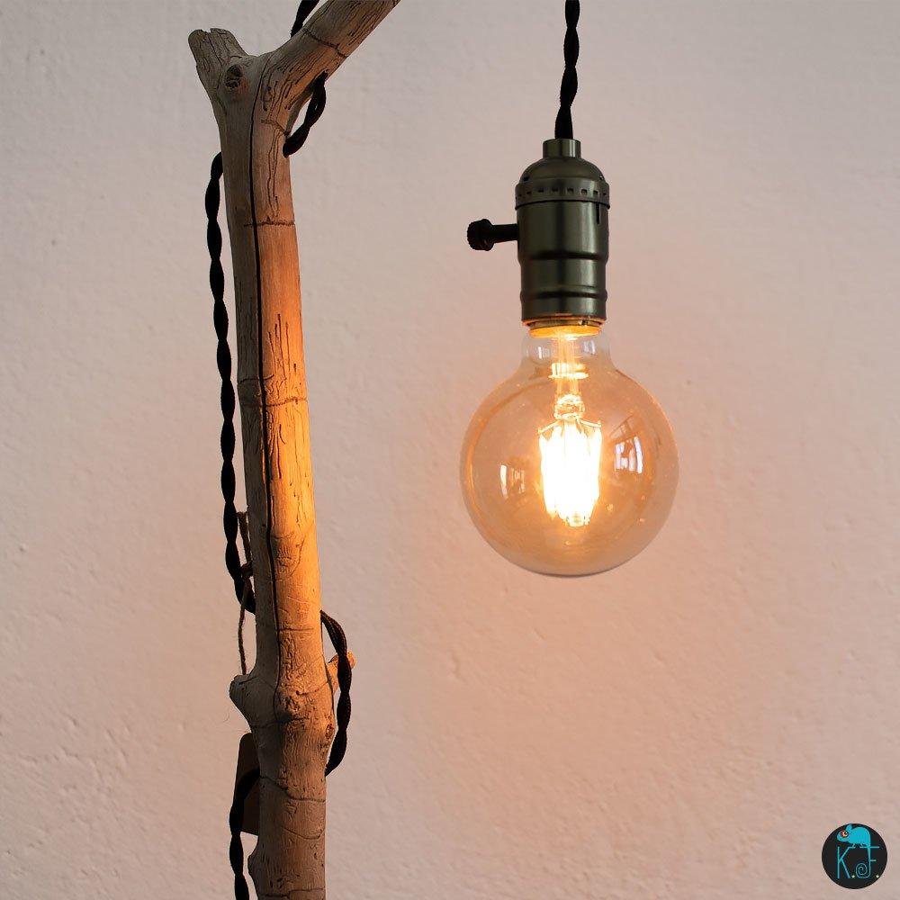 """Lampe en bois flottés """"La liseuse"""", ampoule à filament LED, douille avec interrupteur intégré et cable tressé"""