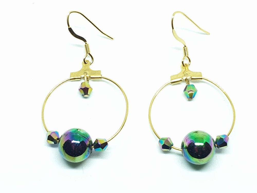 Boucles d'oreilles en acier cercle doré et des perles irisées