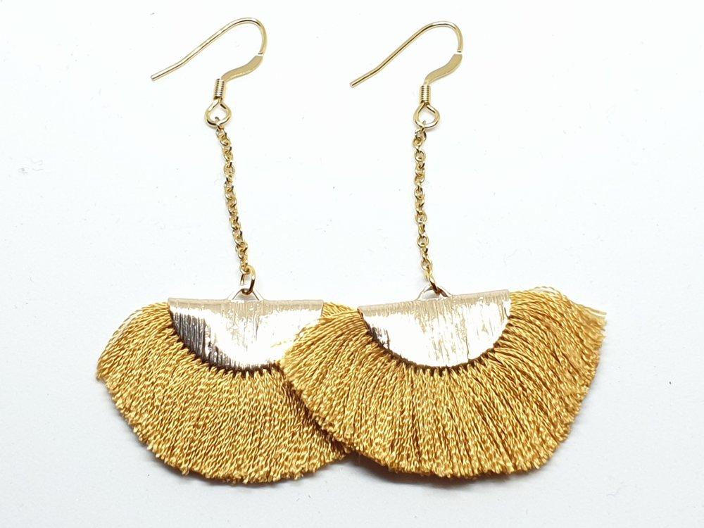 Boucles d'oreilles en acier doré avec des franges