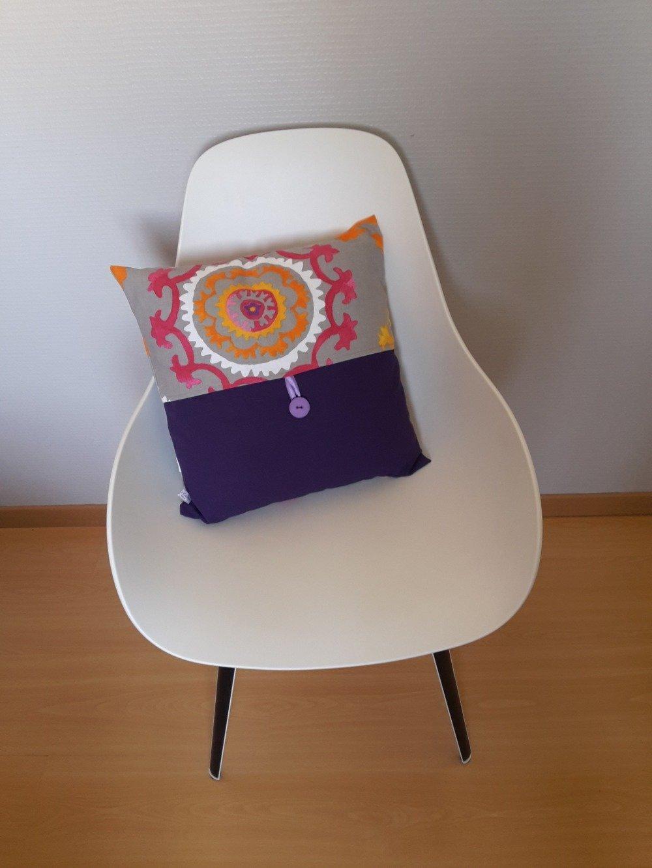 Housse de coussin aux motifs de rosaces colorées, style bohème multicolores à dominance de violet