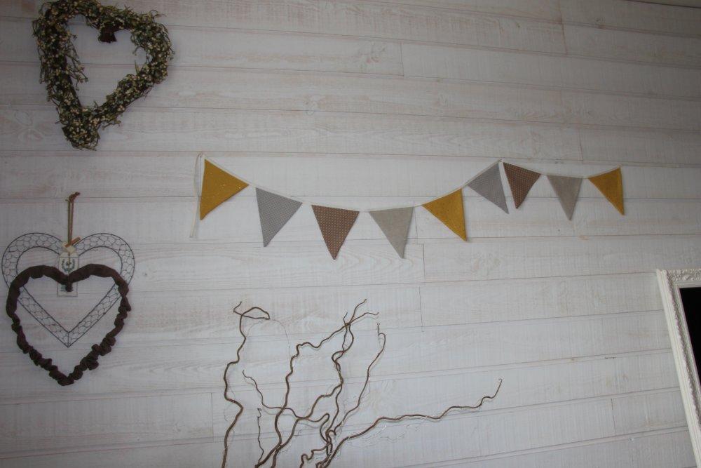 Guirlande fanions (n°7) moutarde / beige