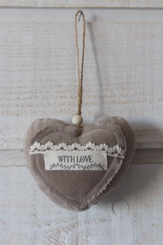 Coeur en velours taupe (With Love) (n°44)