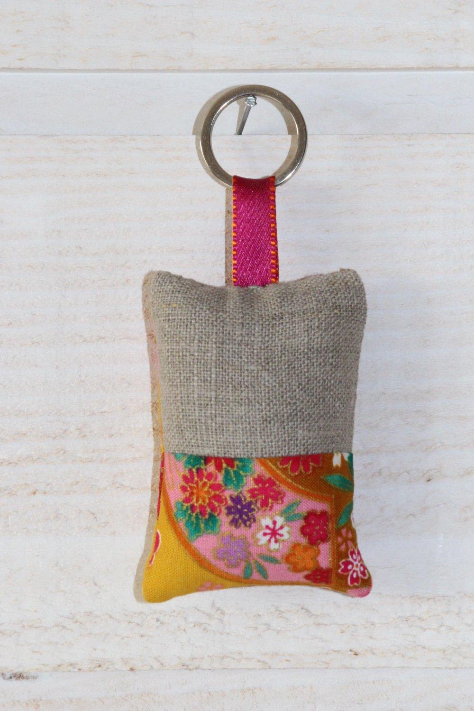 1  porte clés (n°193) tissu japonais