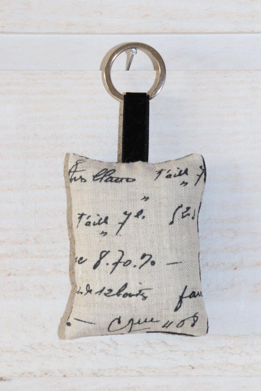 1  porte clés (n°194) lin noir