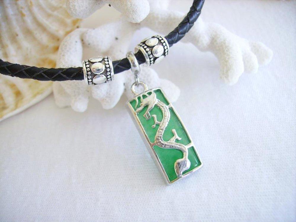 Collier,mode homme ou femme,pendentif dragon,verr,vert,cordon cuir,bijou fantaisie