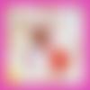 Collier sautoir,pendentif chouette macramé,amérindien,perle acrylique rouge,fuchsia,ocre jaune,pompon