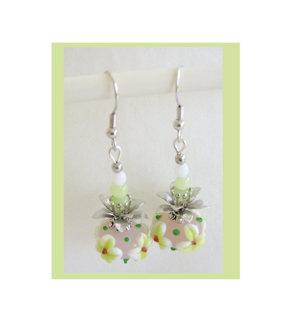 Boucles d'oreilles,perle verre lampwork,rose,blanc,vert,métal argenté