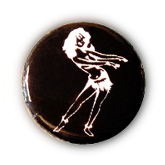 Badge TIKI VAHINEE TATTOO Danse Blanc sur fond NOIR Ø25mm rockabilly