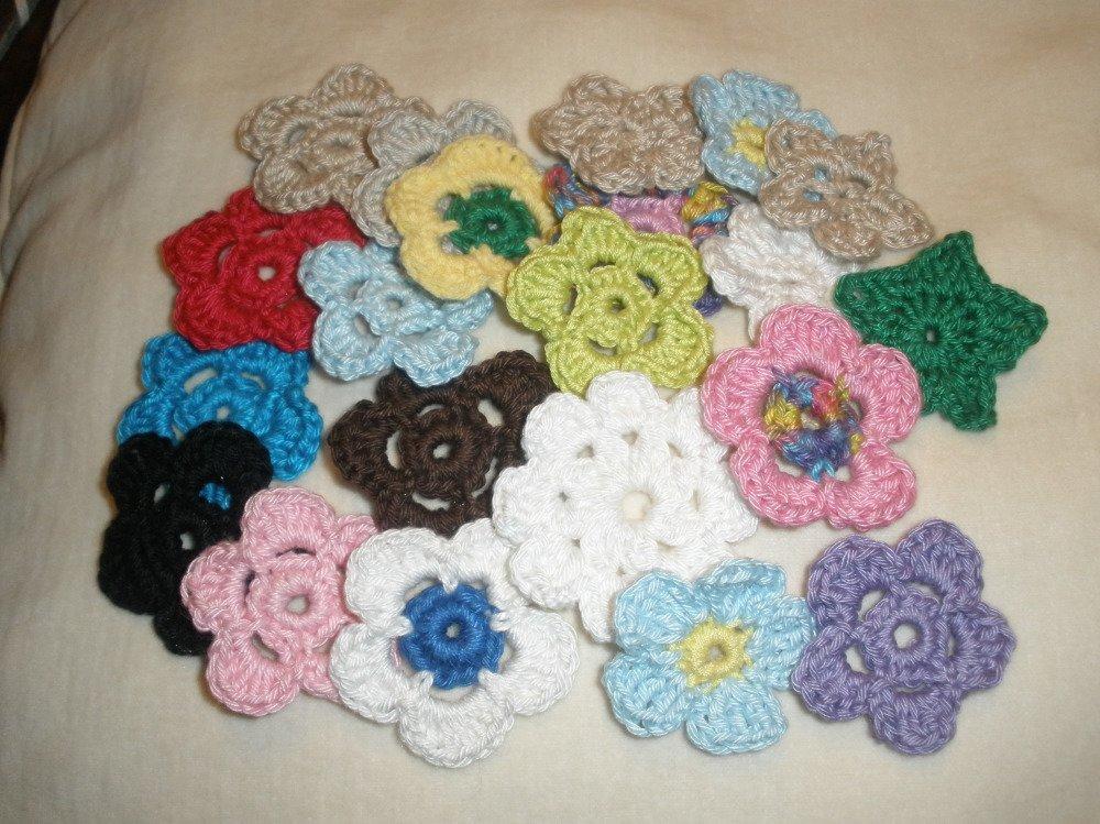 Lot de fleurs mélangées au crochet (21)