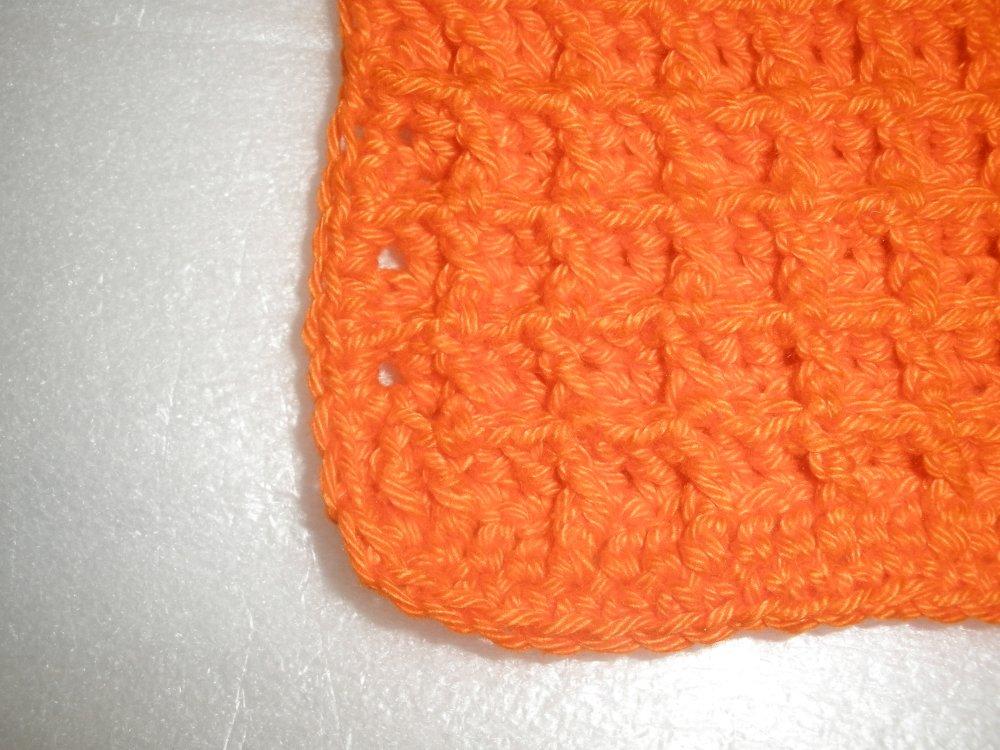 Lavette au crochet orange