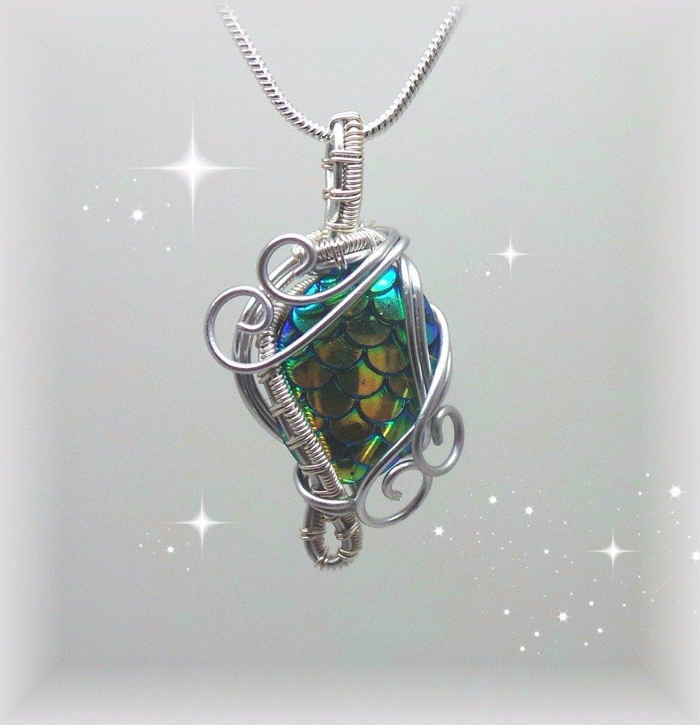 piece collier perle