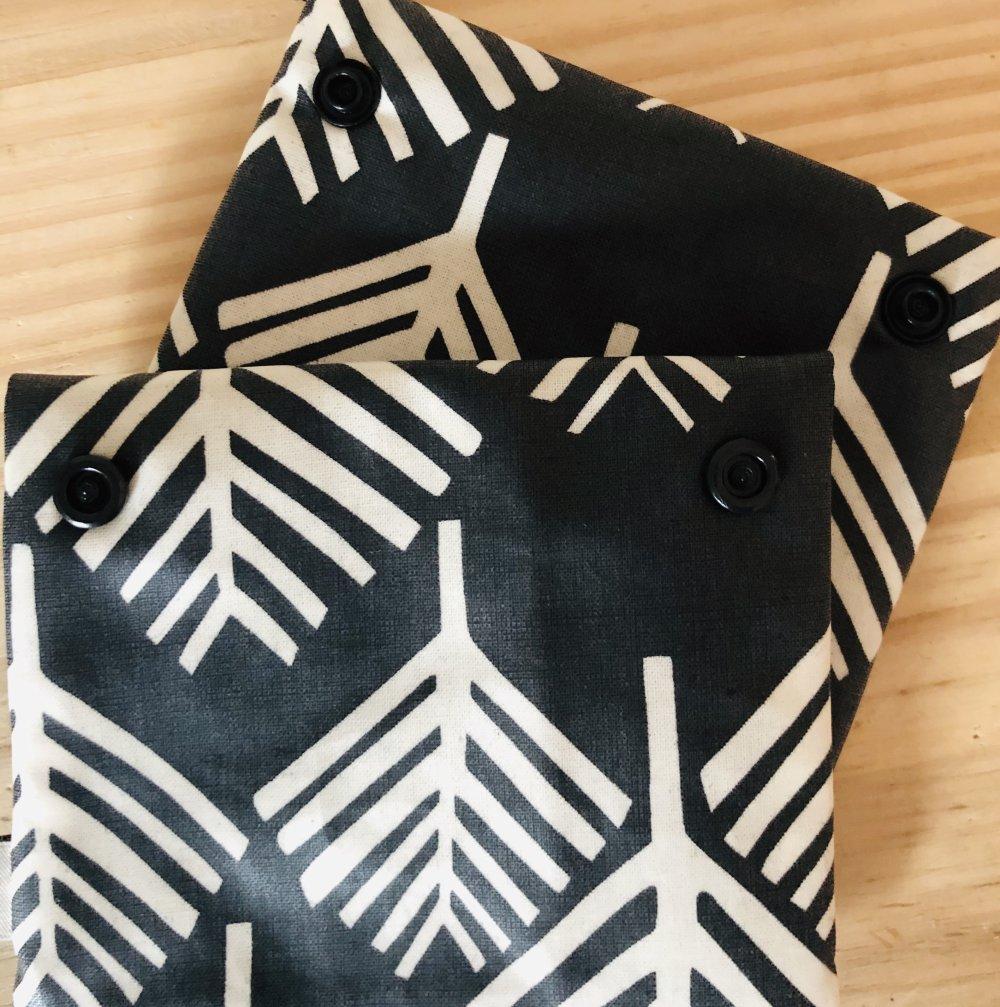 Pochette double noir et blanche