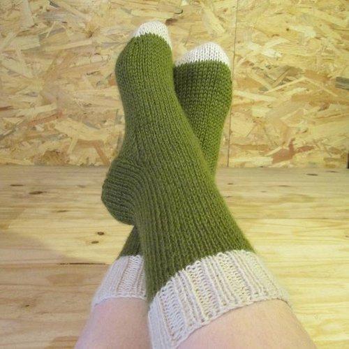Chaussettes laine de bébé lama, tricotées main Un grand marché