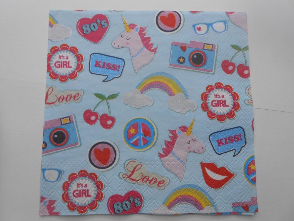 serviette en papier motif licorne et motifs vintage