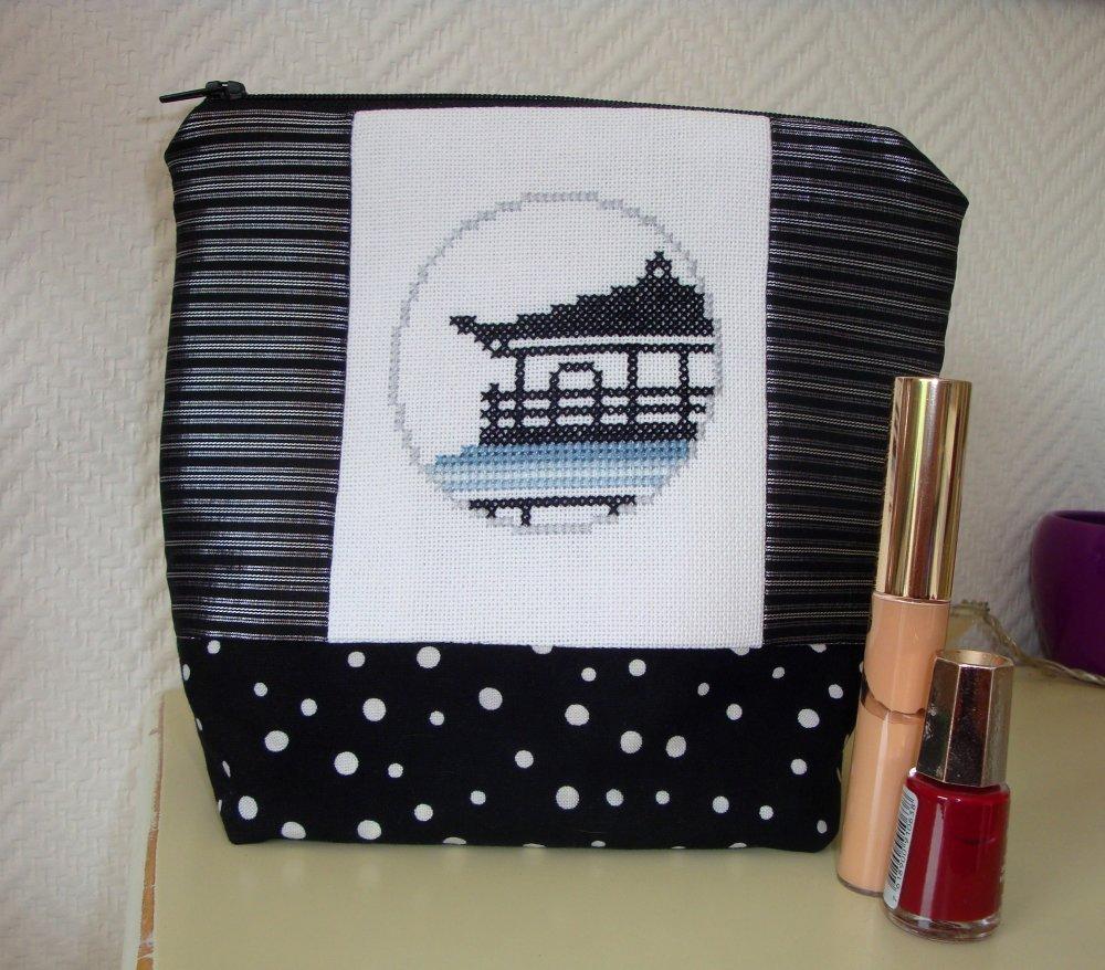"""Trousse """"La pagode d'hiver"""" / Trousse à maquillage ou de toilette / Décor asiatique / Japon"""