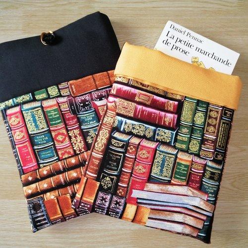 Housse de transport de livre à choisir / protège livres / pochette protection / différentes tailles / housse moletonnée / couvre cahier