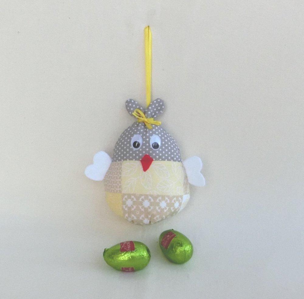 Poule ou Cocotte de Pâques, Hauteur 13 cm, Suspension pour le jardin ou Décoration de table,  Cadeau Fête de Pâques