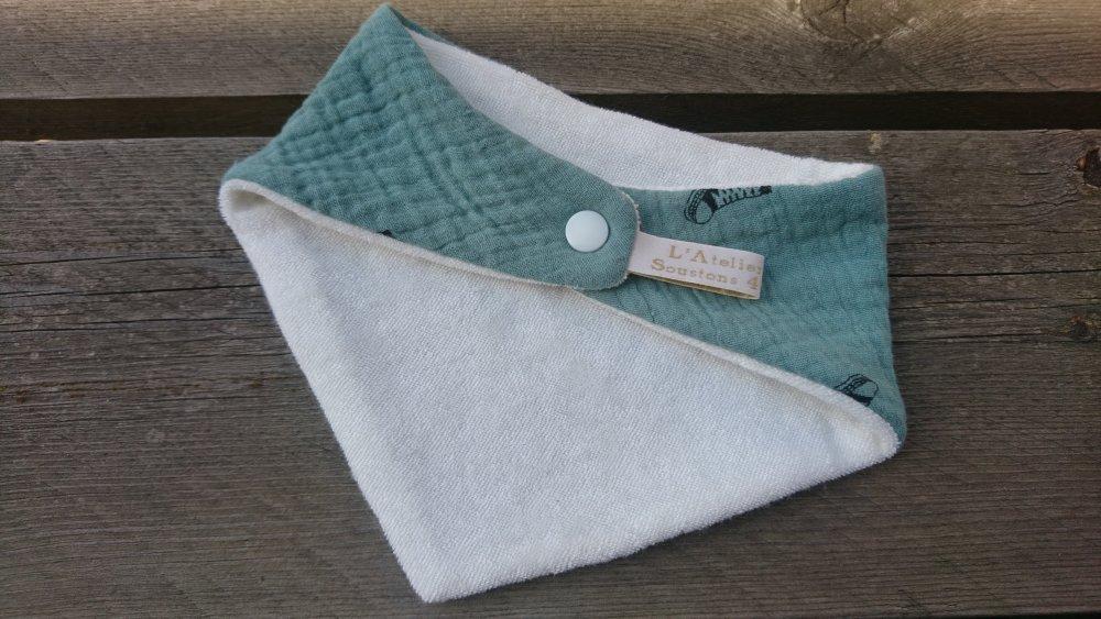 Bavoir bandana en double gaze coton et micro-éponge bambou certifiés Oeko-tex - vert