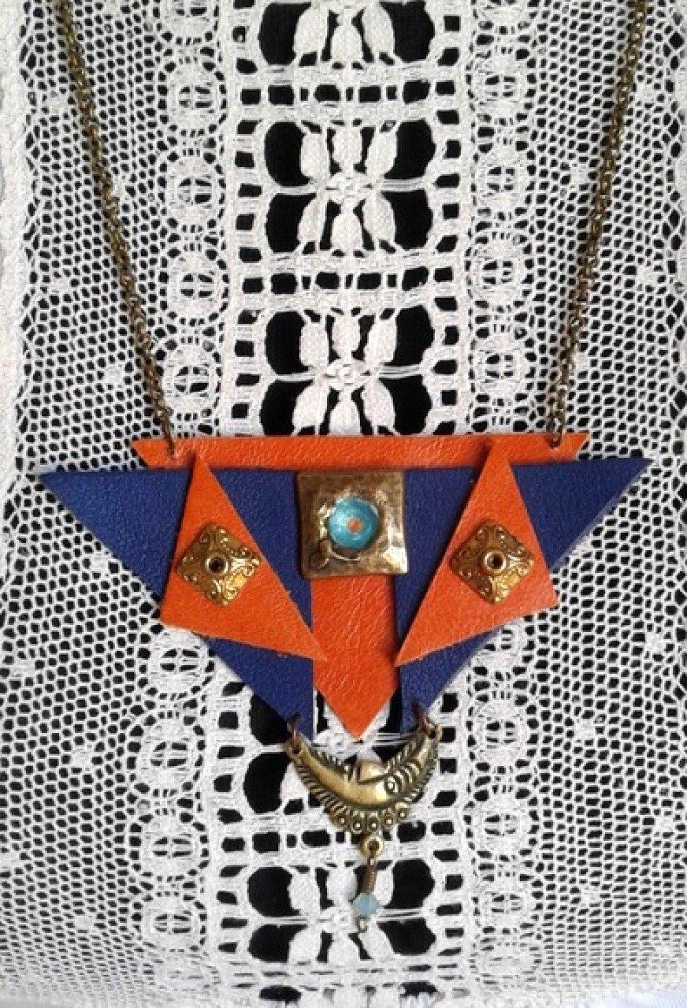 collier  pendentif en cuir pour femme
