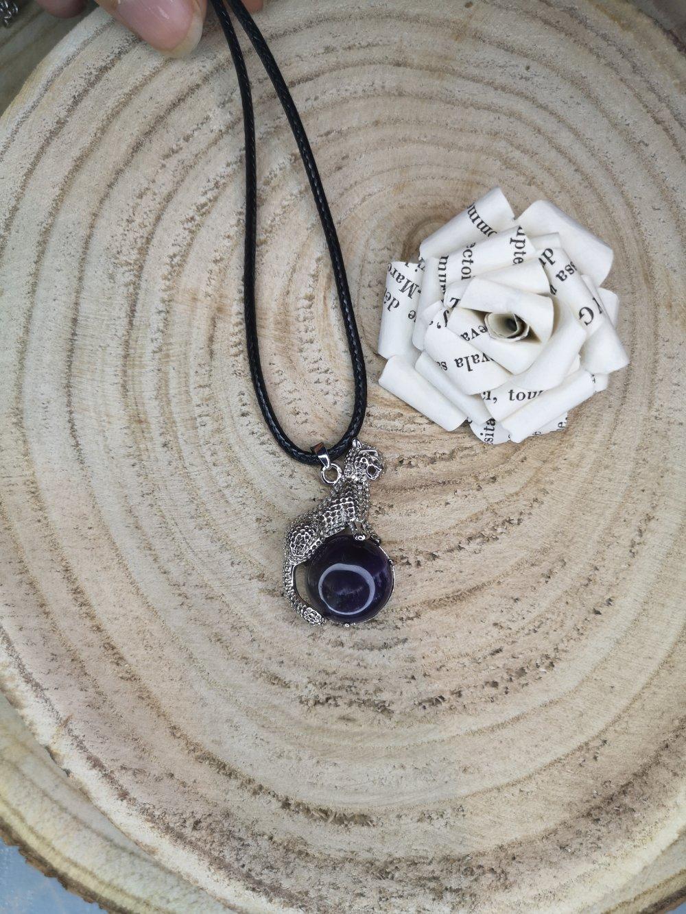 Collier, pendentif panthère en améthyste, pierres naturelles