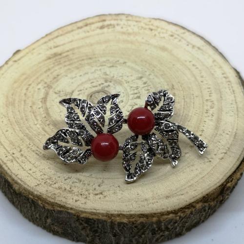 Broche feuille argenté en corail, pierres naturelles
