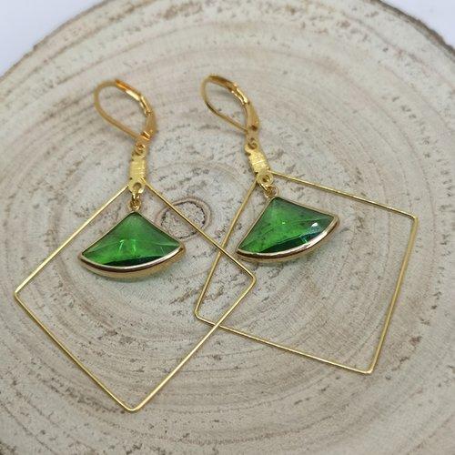 Boucles d'oreille losange acier doré et triangle en cristal vert