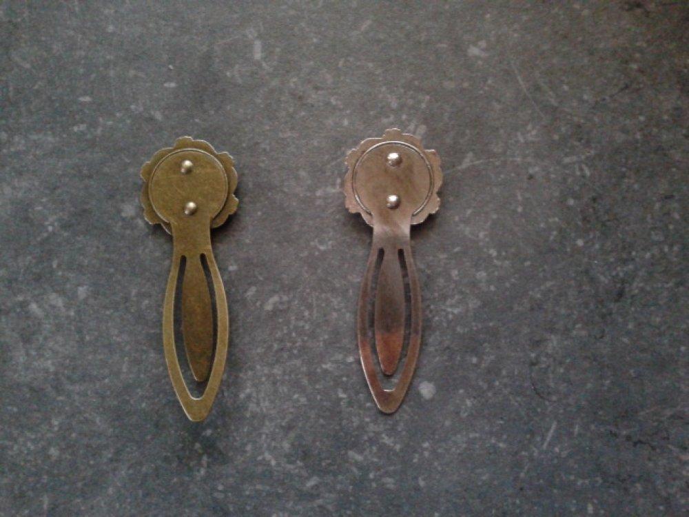 Marque page support bronze rond et NACRE NORMANDE